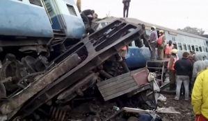 FOTO: Raste broj mrtvih u železničkoj nesreći u Indiji