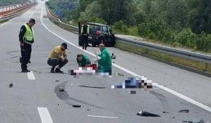 FOTO: Otac poginuo, sin povređen u udesu kod mosta kod Beške