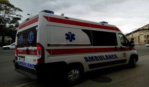 Devojčica i devojka lakše povređene u udesima u Petrovaradinu i centru
