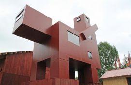 Skulptura previše provokativna za Luvr smeštena u centar Pompidu