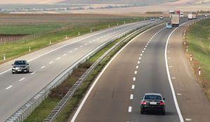 Novi zakon predviđa i kaznu za nevezan pojas u automobilu od 10.000 dinara