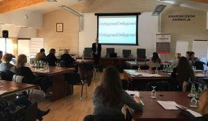 Zaposleni u Pokrajini na seminaru o ljudskim pravima
