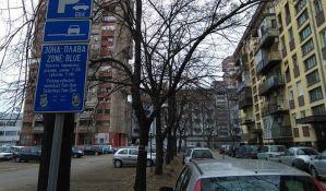 FOTO: Peticija stanara Banatića zbog uvedene naplate parkiranja