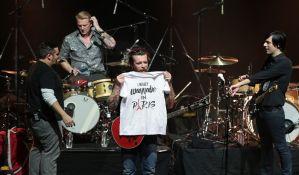 FOTO: Eagles of Death Metal vratili se da dovrše tragično prekinuti koncert