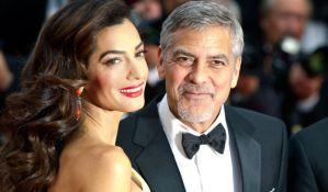 Džordž Kluni tuži francuski časopis zbog fotografije blizanaca