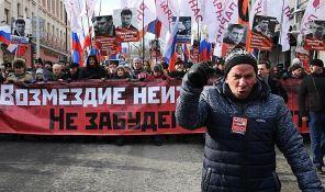 VIDEO: Hiljade ljudi marširalo Moskvom u znak sećanja na ubijenog Borisa Njemcova