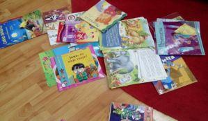Mališani iz novosadskih vrtića u sredu izlažu crteže scena iz svojih omiljenih knjiga