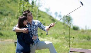 Parovi koji ne objavljuju selfije na društvenim mrežama su najsrećniji