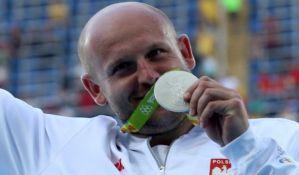 Poljak prodaje olimpijsko srebro da pomogne bolesnom dečaku