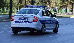 Novosadskoj policajki razbijen nos na Železničkoj stanici