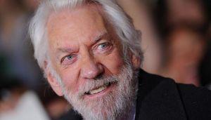 Donald Saterlend dobija počasnog Oskara