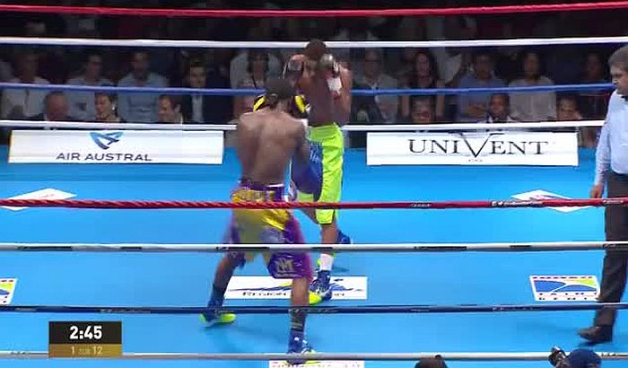 VIDEO: Nokautirao protivnika u 21. sekundi