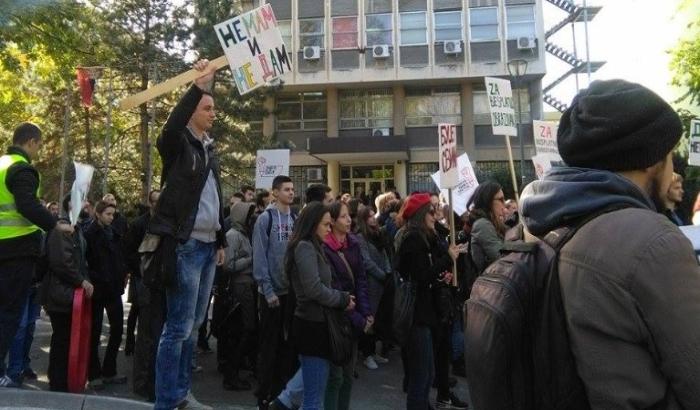 Studenti se pre 20 godina borili zbog politike, a danas zarad opstanka