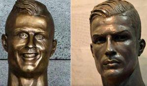 Ronaldo dobio novu bistu, kritičari ocenjuju da je previše zgodan