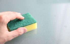 Kuhinjski sunđer 200.000 puta prljaviji od wc šolje