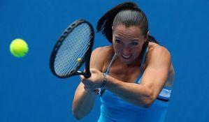 Jelena Janković izgubila od 105. teniserke sveta na startu Rolan Garosa
