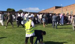 VIDEO: Žena u automobilu pokosila pešake, osmogodišnjak u kritičnom stanju