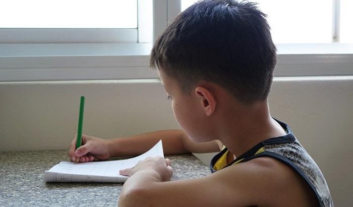 Škola tražila od dece da napišu oproštajno pismo
