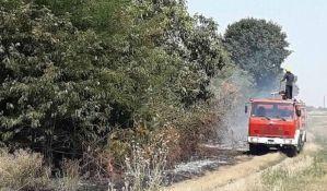 Pančevo: Ugašen požar uz rafinerijsku prugu