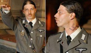 Otac prvo deci dao ime Adolf i Eva, pa svoje prezime promenio u Hitler