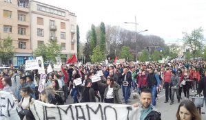 FOTO, VIDEO: Manji incidenti na početku protesta u Novom Sadu
