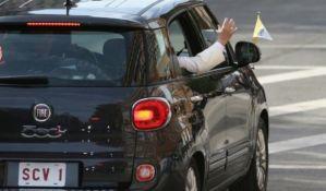 Fijat kojim se papa vozio Njujorkom prodat za 300.000 dolara