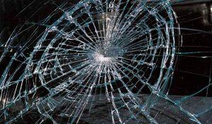Stara Pazova: Razlupao šest automobila