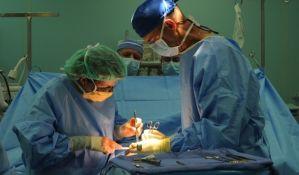 Hirurzi tokom operacija najviše slušaju Metaliku i Led Cepelin