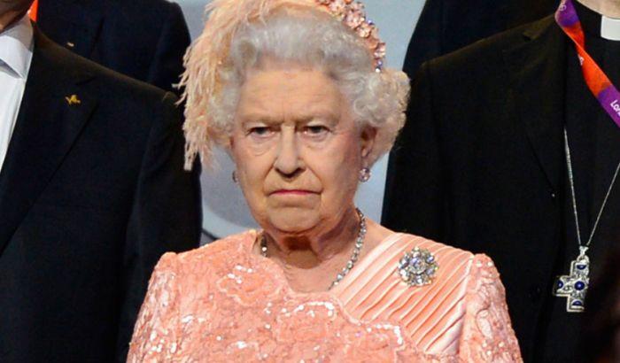 Gardista umalo pucao u kraljicu Elizabetu, mislio da je provalnik