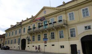 SRS: Vlast u Sremskim Karlovcima dala milion i po dinara za restorane
