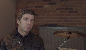 Noel Galager: Pogledajte bendove danas - neki tip drži gitaru, ali je ne svira