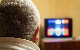 Amerikanci i Kanađani najviše sede pred televizorom