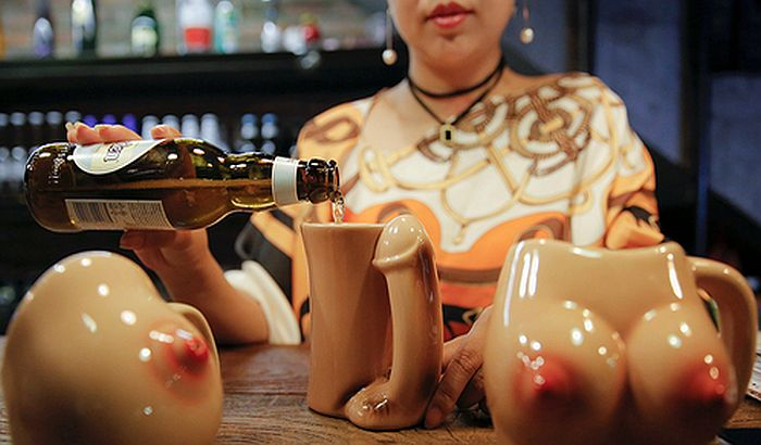 Erotski restoran u Kini popularan