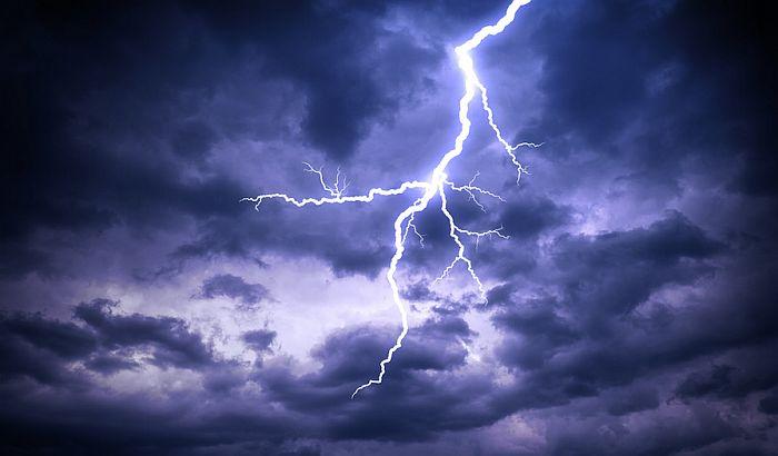 U Srbiji zbog oluja i grmljavine proglašen žuti meteoalarm