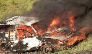 Zapale sopstvena kola i lokale da naplate osiguranje