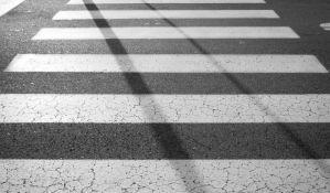 Neko zafrkava policiju iscrtavajući nove pešačke prelaze i parking mesta