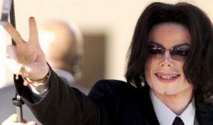 Majkl Džekson zarađuje najviše od svih pokojnih zvezda