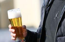 Za šetnju ulicama Praga sa pićem u ruci kazna 400 evra