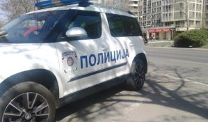 Policajci van dužnosti uhvatili lopova koji je ukrao Novosađanki torbu