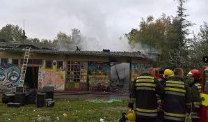 FOTO: Požar u Kineskoj četvrti, izgoreo deo Društvenog centra