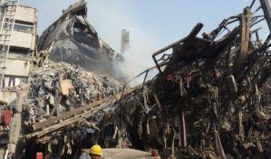 FOTO, VIDEO: Srušila se zgrada u Teheranu, poginulo 30 vatrogasaca