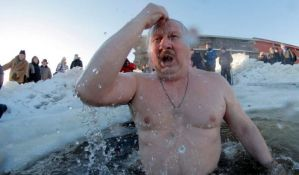 Više od 1,5 miliona Rusa učestvovaće u tradicionalnom kupanju