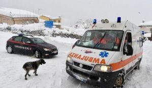 VIDEO: Snežna lavina zatrpala hotel u Italiji