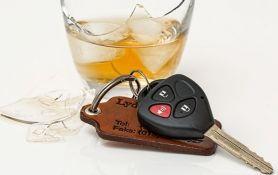 Zrenjanin: Pijan automobilom naleteo na dvoje dece i ženu