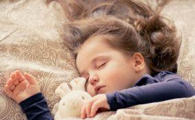 Koliko sna treba deci u zavisnosti od uzrasta