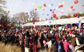 Doček dečije Nove godine u Dunavskom parku, gradski bendovi na Trgu republike