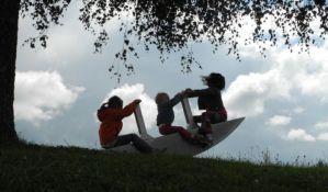 Pomoć za treće dete - od velike novine Građanskog zakonika do opasnosti za ekonomsku stabilnost