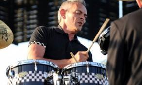 Preminuo bubnjar Specialsa Džon Bredberi