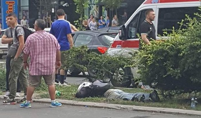 FOTO: Teška nezgoda na Bulevaru oslobođenja, muškarac na reanimaciji