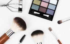 Eksperti: Ne koristite šminku iz testera jer možete oslepeti